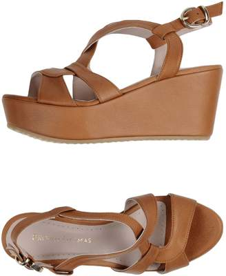 Thomas Laboratories BROWN Sandals