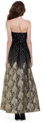 Alice + Olivia DAISY EMBROIDERED STRAPLESS GOWN