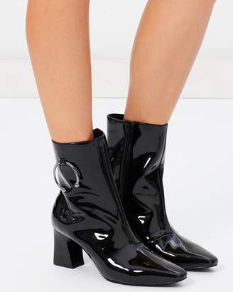 Atmos & Here ICONIC EXCLUSIVE - Naya Leather Ankle Boots