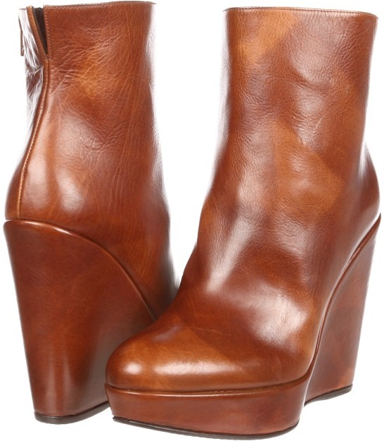 Stuart Weitzman Invent (Saddle Old West Calf) - Footwear