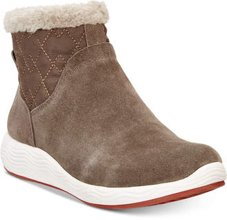 Bare Traps Worst Winter Boots, They Slide- No Traction
