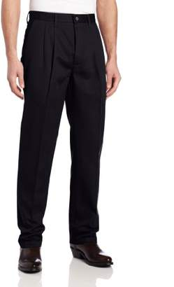 Wrangler Men's Riata Pleated Relaxed Fit Casual Pant