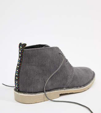 Asos Design DESIGN desert boots in gray cord