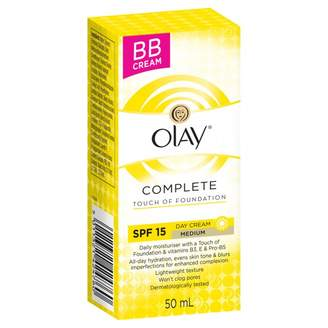 Olay Complete Care Touch of Foundation Day Cream Medium SPF 15 50 mL