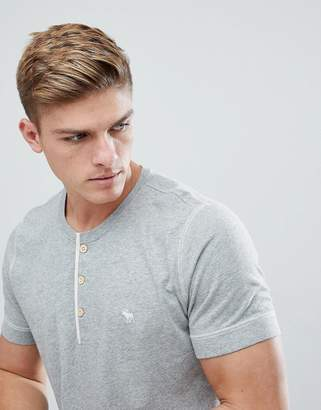 Abercrombie & Fitch Henley T-Shirt Contrast Placket Icon Moose Logo in Gray Marl