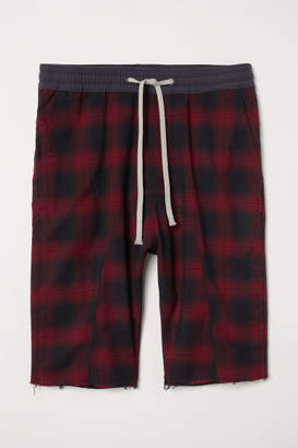 H&M Knee-length Twill Shorts - Red