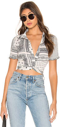 superdown Jenela Twist Front Shirt