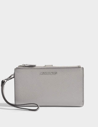 MICHAEL Michael Kors Double Zip Wristlet in Pearl Grey Mercer Pebble Leather