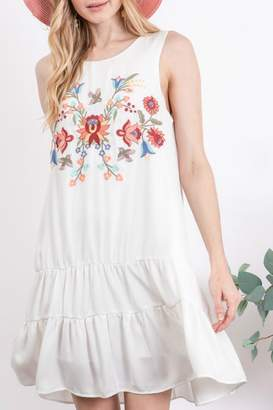 Davi & Dani Tiered Embroidery Dress