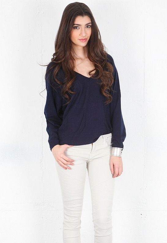 Feel The Piece V Back Cashmere Sweater -