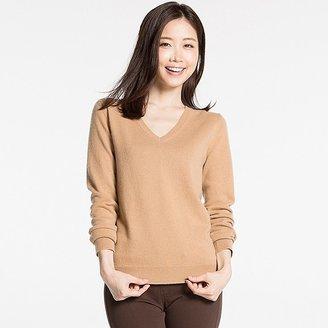 Women's Cashmere V-Neck Sweater $79.90 thestylecure.com