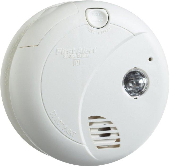 First Alert SA720CN Smoke Alarm Photoelectric Sensor w/ Escape Light
