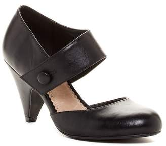Restricted Chatroom Cone Heel Pump