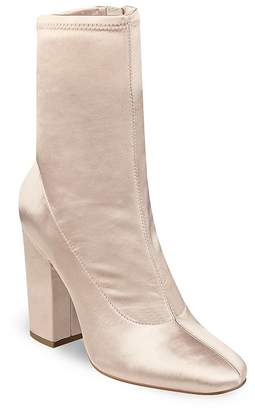 KENDALL + KYLIE Hailey Satin Block Heel Booties
