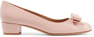 Salvatore Ferragamo Vara Patent-leather Pumps - Baby pink