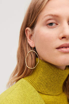 Cos UNEVEN GOLD-PLATED HOOPS