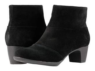 SoftWalk Inspire Women's Pull-on Boots