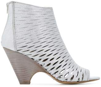 Strategia open-toe booties