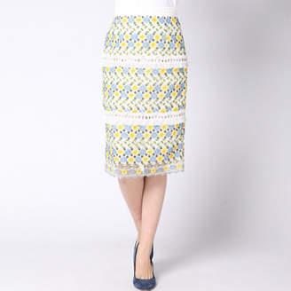 Queens Court (クイーンズ コート) - QUEENS COURT ケミカルレースタイトスカート