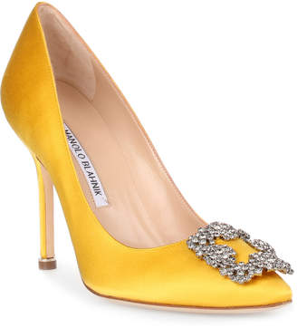 Manolo Blahnik Hangisi 105 yellow satin pump