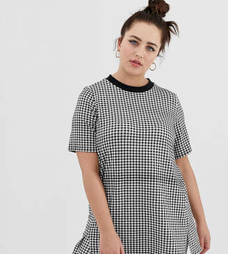 Daisy Street Plus plus oversized t-shirt in gingham