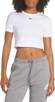 Nike Sportswear Slim Fit Crop Top