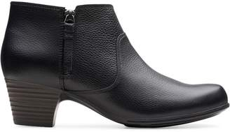 Clarks Valarie2 Sofia Leather Booties