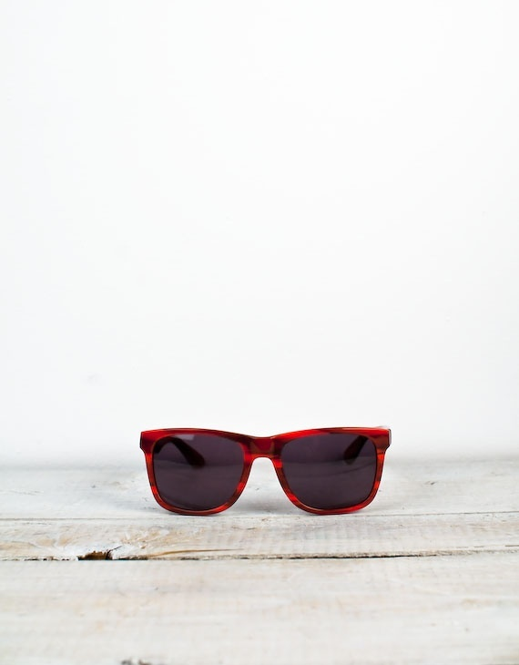Alex & Chloe Cape Town Red Woodgrain Wayfarer