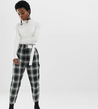 f2037126b5e4 Asos DESIGN Petite tapered trousers with contrast d-ring belt in check