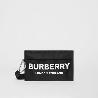 Burberry (バーバリー) - Burberry ロゴプリント ナイロン ジップポーチ