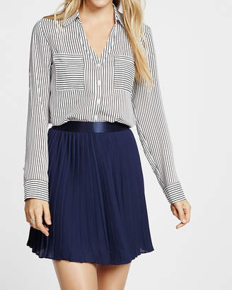 Express Petite Slim Fit Black And White Striped Portofino Shirt