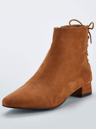 Very Fiona Lace Back Ankle Boot - Tan