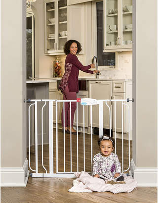 Regalo Easy Step Extra Wide Metal Walk-Through Gate