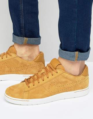 Nike Tennis Classic Ultra Sneakers In Tan 876390-700