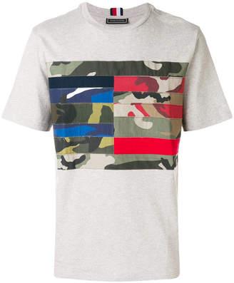 Tommy Hilfiger camouflage flag T-shirt