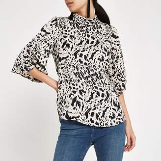 River Island Womens Black leopard print twist sleeve top