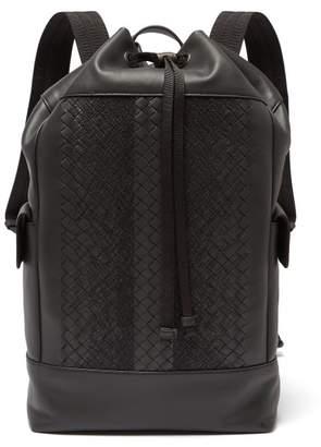 Bottega Veneta - Intrecciato Leather Backpack - Mens - Black Grey