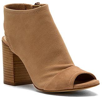Aldoaldo Women's Barefoot