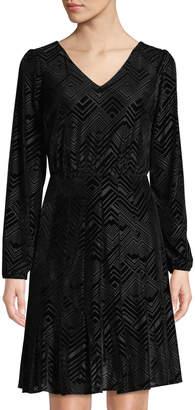 Julia Jordan Bell-Sleeve Geometric Velvet Burnout Dress