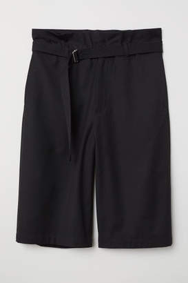 H&M Shorts with Paper Bag Waist - Black