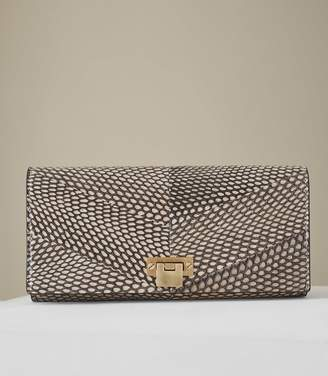 Reiss Our last order date for Christmas has now passed AUDLEY SNAKE SNAKE SKIN CLUTCH BAG Blush