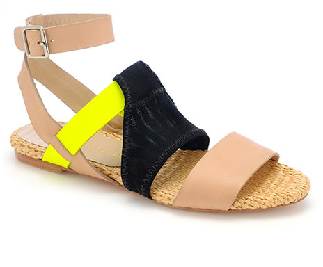 Fawn sporty flat sandal
