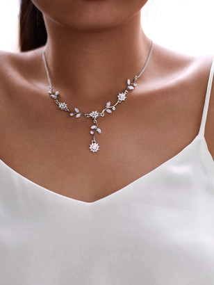 Shein Rhinestone Flower Design Pendant Necklace