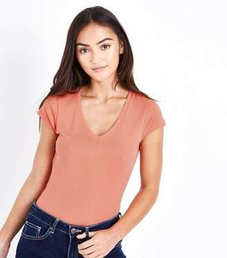 New Look Petite Coral V Neck T-Shirt