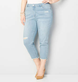 Avenue Frayed Step Hem Denim Crop in Light Wash