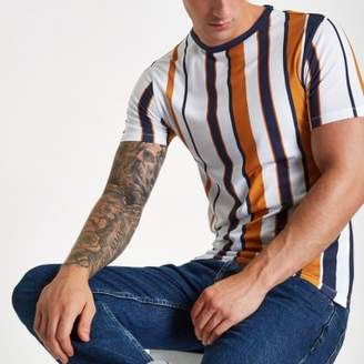 River Island Mens White vertical stripe muscle fit T-shirt
