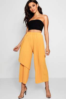 boohoo Woven Pleated Asymetric Trouser
