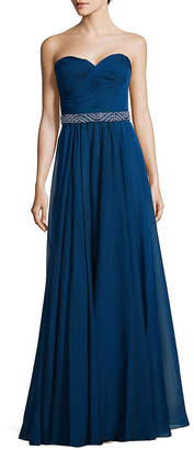 La Femme Strapless Sweetheart Floor-Length Gown