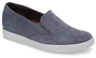 Munro American Lulu Slip-On Sneaker (Women)