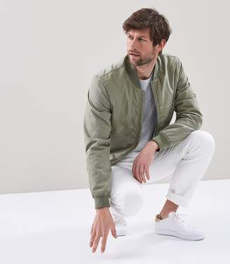 Reiss ERBA GARMENT DYED BOMBER JACKET Green